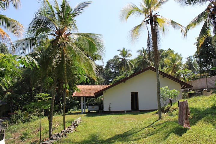 3 bed Holiday home in Hikkaduwa