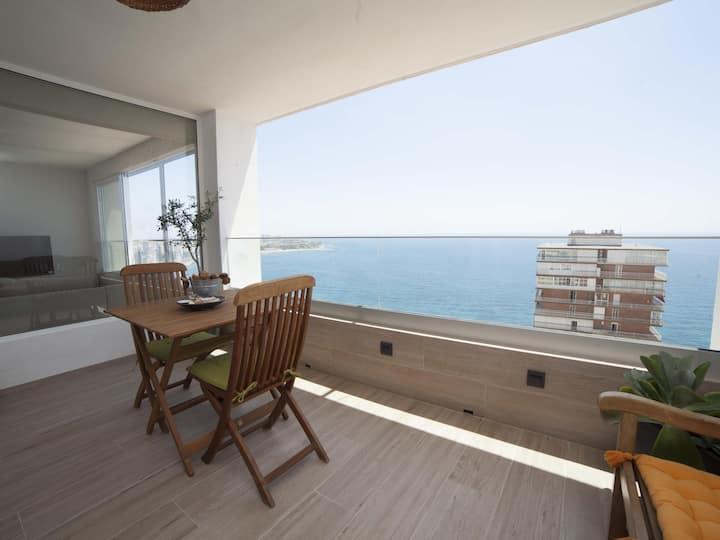 Sierra & Mar: Mountain, Sea Views and Beach in the same Apartment