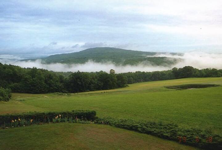 PEACEFUL COUNTRY FARM
