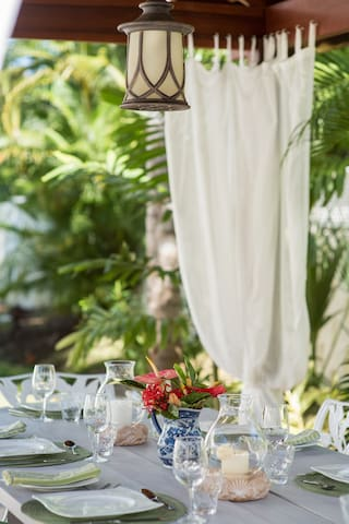 Caribbean outdoor dining.