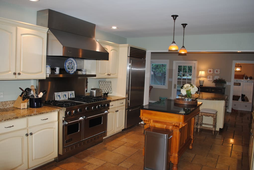 Large gourmet kitchen with Viking Stove and Sub Zero Freezer