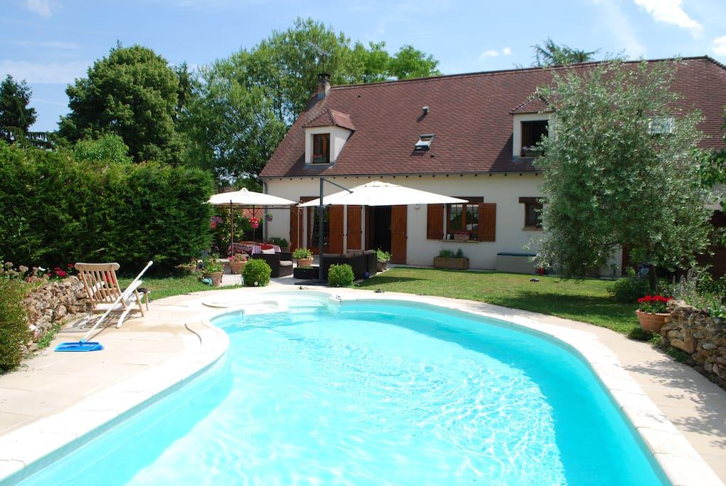 Chambre salle de bain piscine 45 kms sud paris maisons - Piscine saint fargeau ponthierry ...