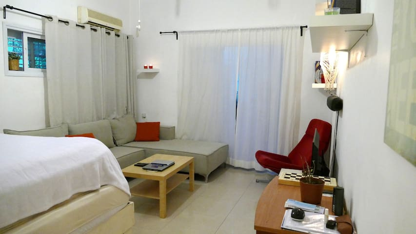 Sderot Chen-HaBima Quiet & Center Apt. for couple