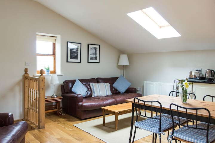 The Barn 1st Floor Rural Apartment - Charlesworth