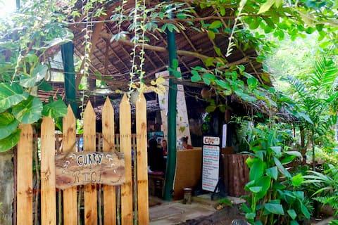 Chami's Jungle Beach Coconut Tree House Paradise