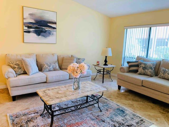 New Villa in Sarasota near Siesta Key beach