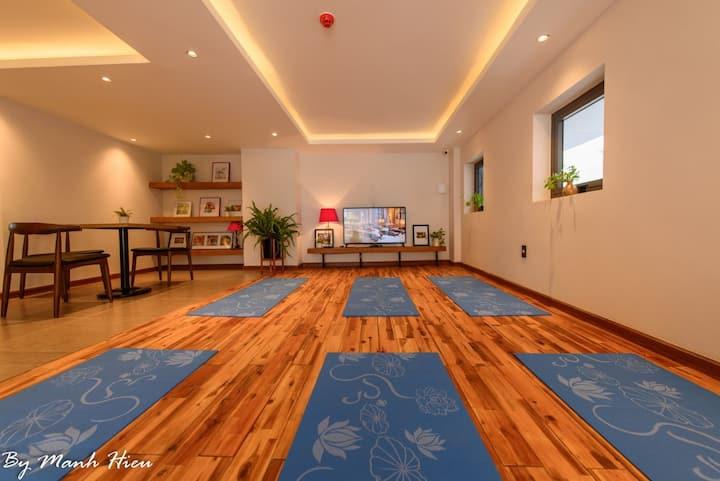 Deluxe twin room with city veiw, 3 mins to beach