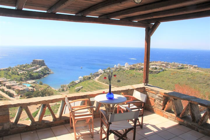 Amazing Sea View family House - Upper level Apt - Koundouros - Leilighet