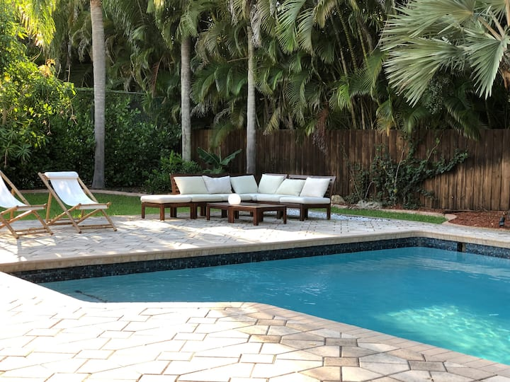 Dream Miami styleVilla: Tennis/Pool/Bar/Huge Yard