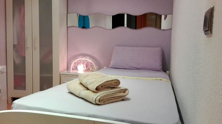 Dormitorio en casco histórico/centro  1 persona