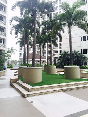 Luxurious condo at SoleMare Parksuites 1BR Tower C
