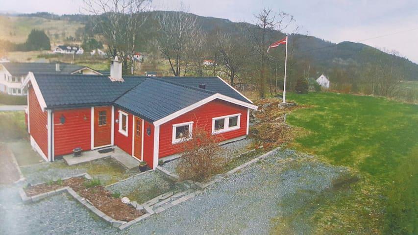 Enebolig i landlige omgivelser - Skjold - House