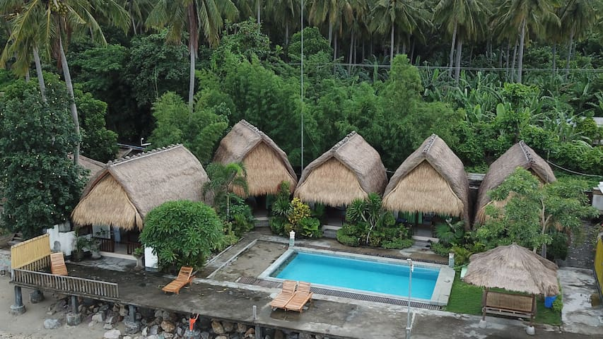 Krisna Bungalows-Lumbung Bungalow Sea View