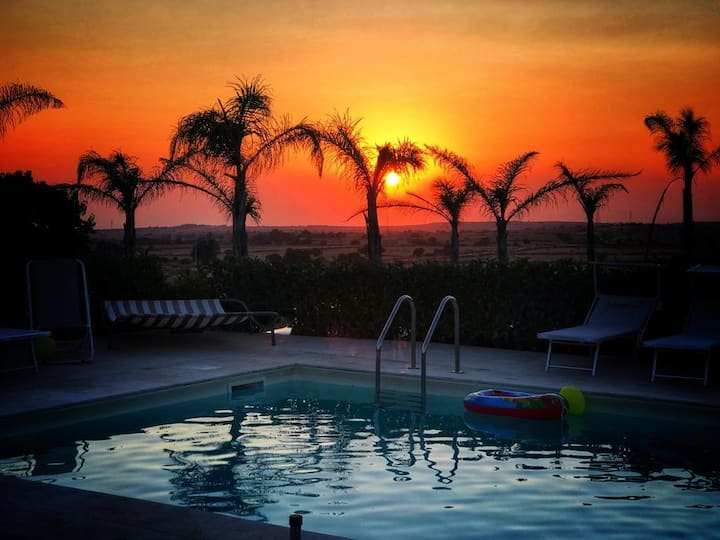 Marina di Ragusa -Luxury Villa With Pool & Jacuzzi