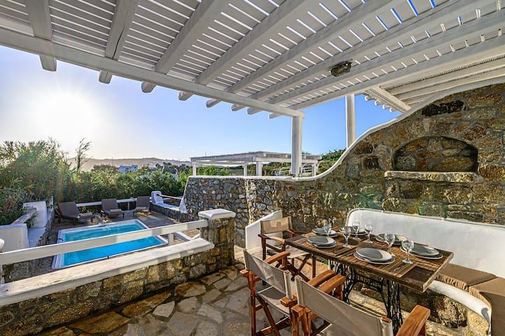 9 Muses Villa Calliope, 3 BR, private plunge pool!