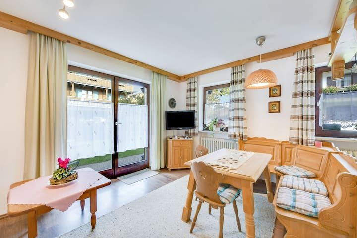 Beautiful Holiday Apartment Elvira with Wi-Fi, Garden, Terrace & Sauna; Parking Available