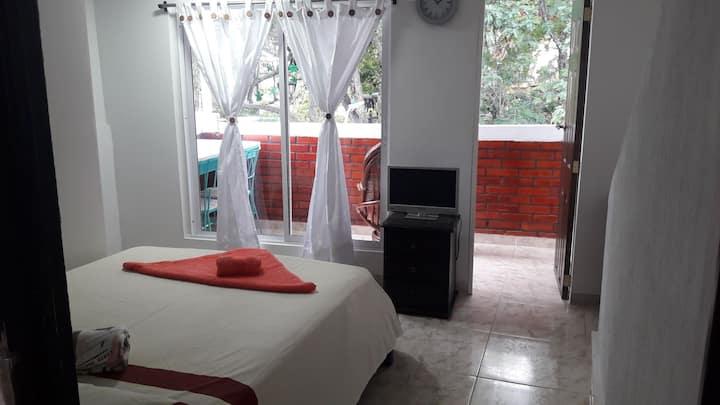 Apartaestudio con balcon al parque artesanal $x P