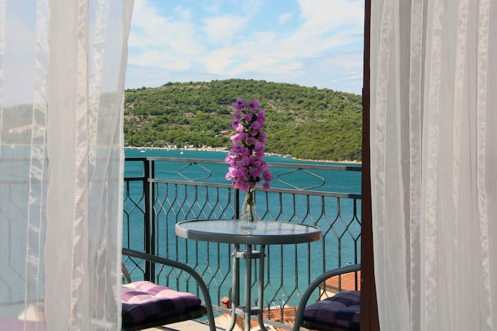 Marina Tisno Apartment 3 with beautiful see view