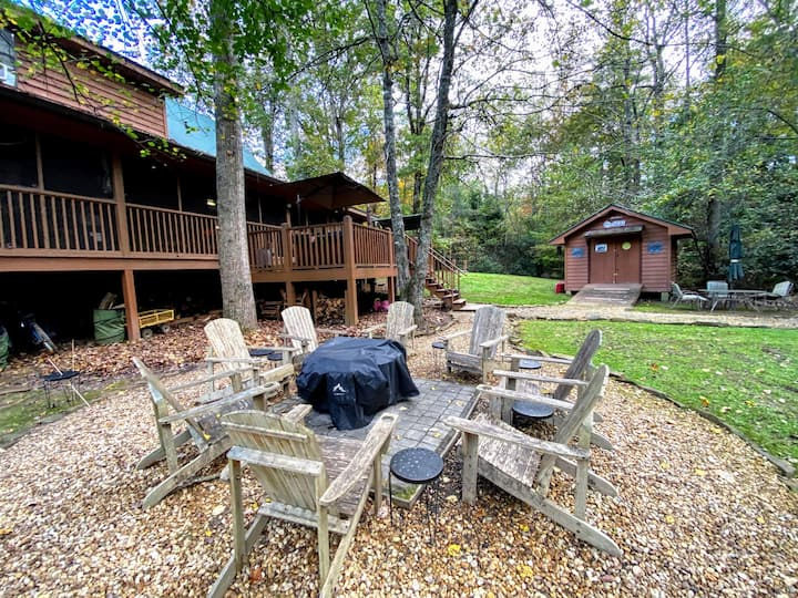 *NEW* Relax and Unwind at the Creekside Cottage!