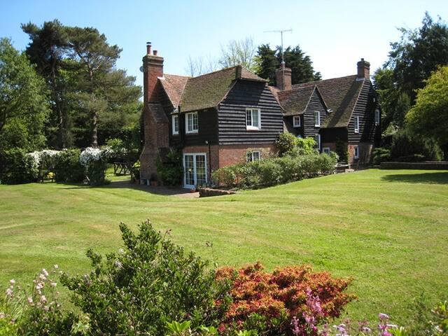 Hastings Countryside  Stream House B&B