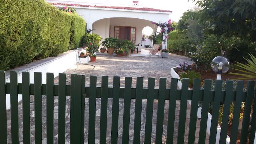 Splendida villa al mare ad Ostuni - Villanova - House