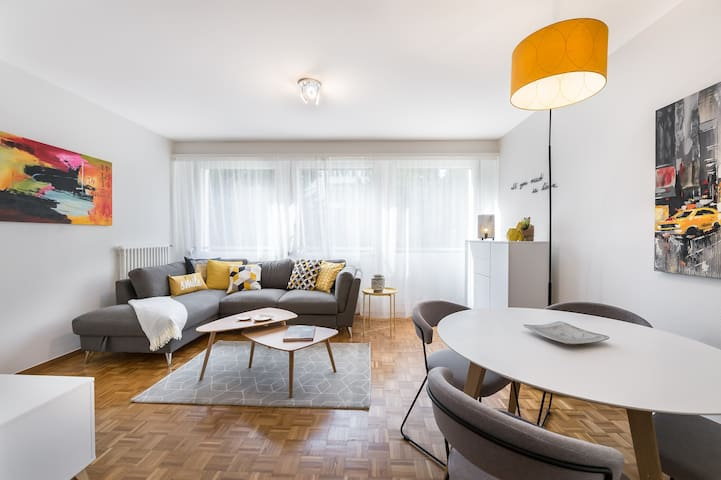 Stylish renovated 1 Bedroom apartment in Champel