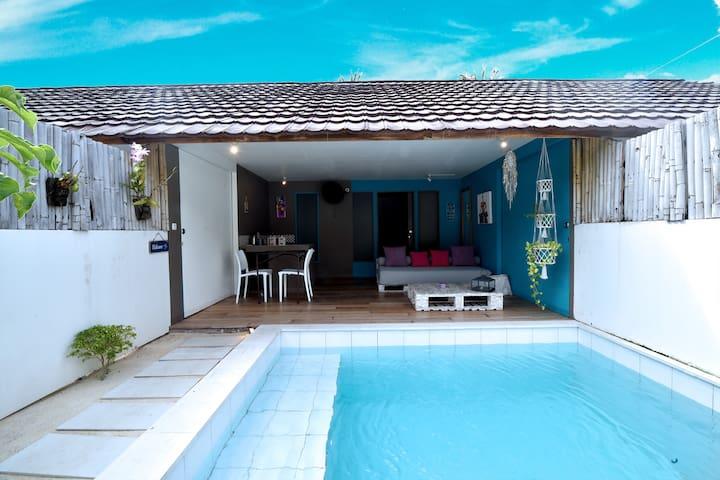 Junior Suite , Private pool, Breakfast included.