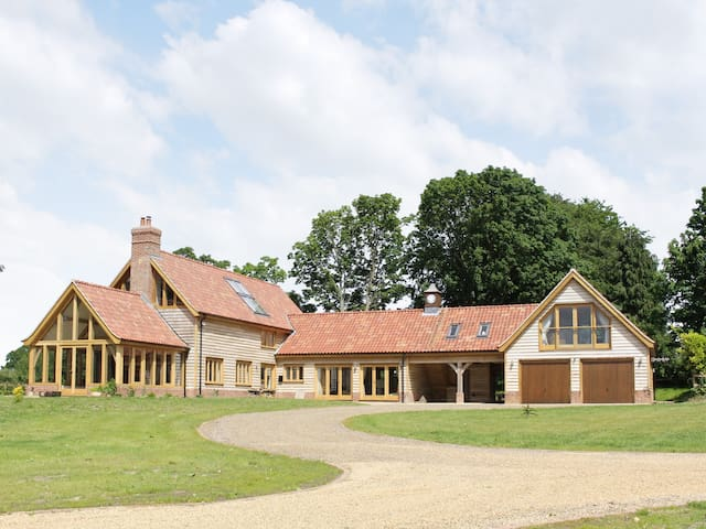 Green Acre Lodge (W43576)