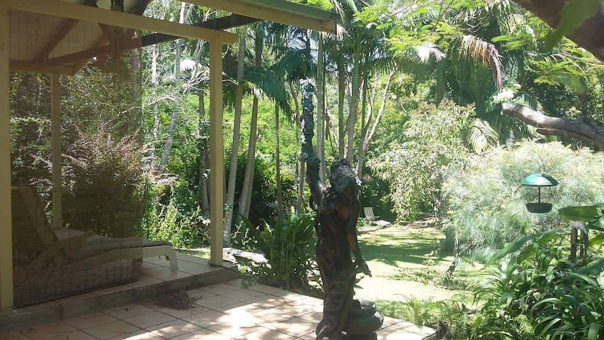 Very pretty spot for one with  Birds Trees & River - Mullumbimby - House