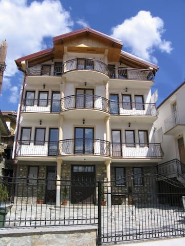 Villa LA KOLA - apartments