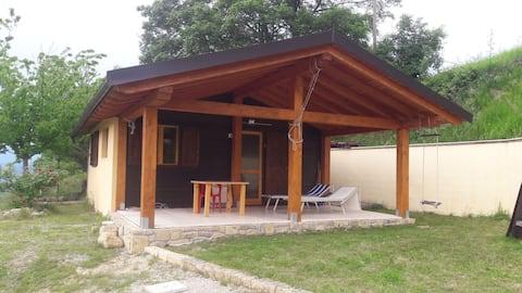 Cabine de madeira nos Apeninos,2 corações 1 cabana