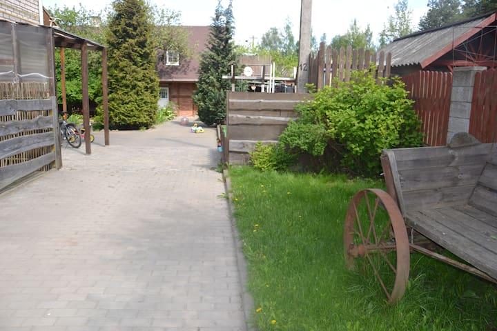"""Гостевой домик """"Тихий дворик"""" для любителей тишины - Lahojsk"""