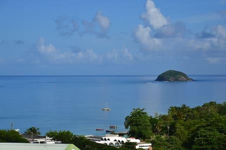 T2 vue mer proche de la plage et des commodités