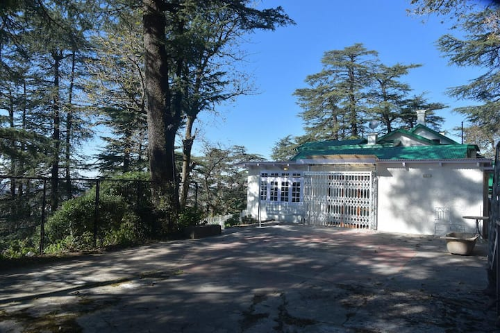 6 Bedroom British Villa in the Heart of Shimla
