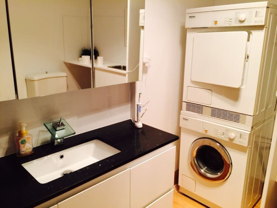 Bathroom including Dryer and Washer