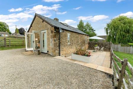 Oxbow Cottage, Maugersbury