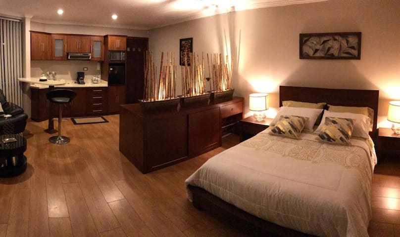 !SUITE moderna e impecable en Cuenca¡
