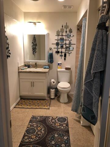 2 Bed 1.5 Bath in Phoenix