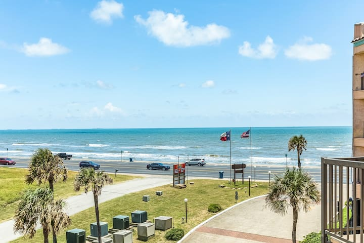NEW LISTING! Top-floor Gulf-front condo w/ balcony & shared pools/hot tub!