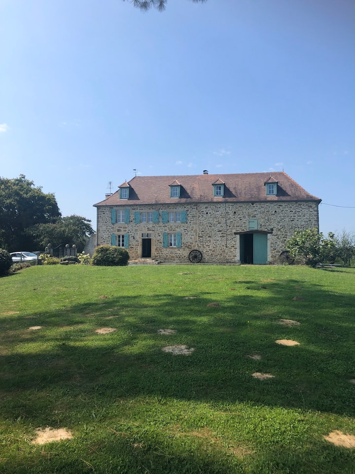 Charming 16C Farmhouse plus Gite and Pool