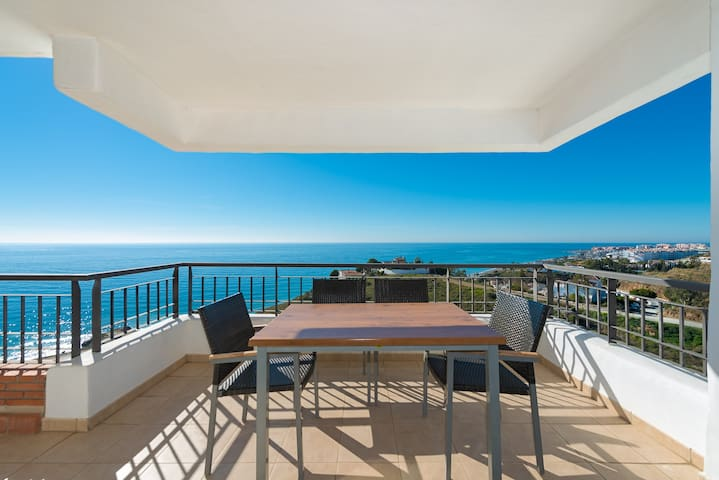 Magnificent front seaview Apartment - Torrox - Lejlighed