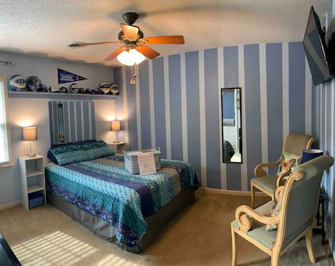 SUPERHOST Queen Bed+Bath 10 miles from GSO airport
