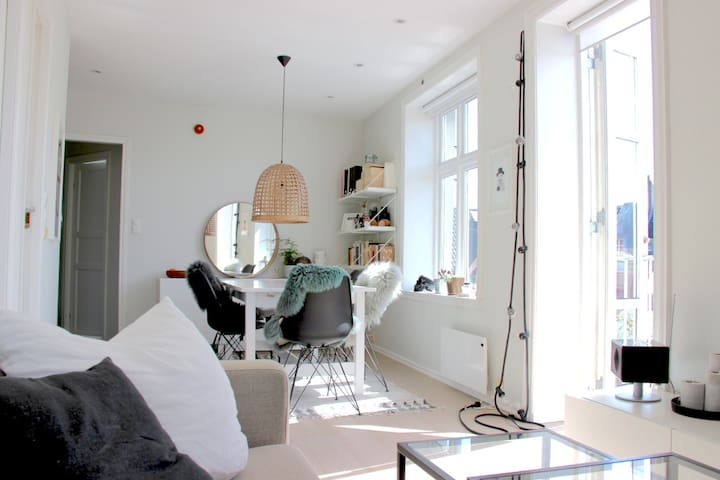 Bright and central apartment on a quiet street - Bergen - Apartmen