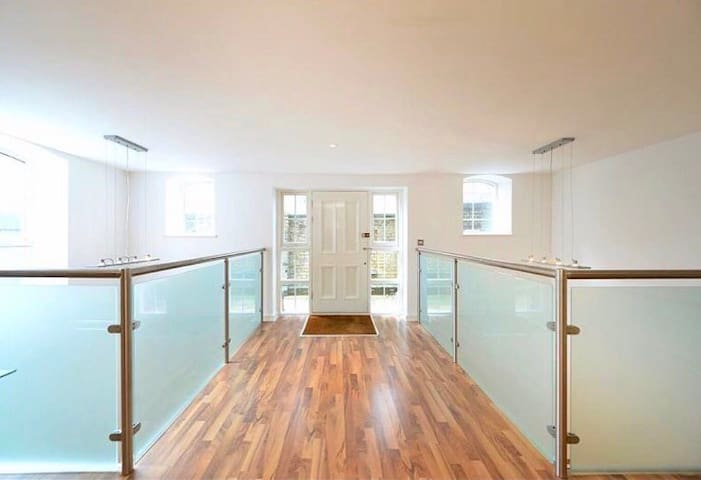 AFFORDABLE TWO FLOOR SPACIOUS PENTHOUSE APARTMENT