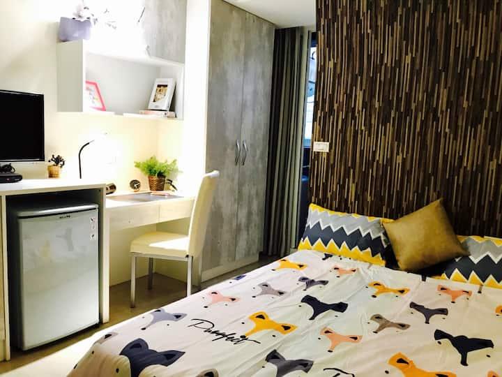 2樓F號 房間號碼*2F* - W-House逢甲夜市 全新套房 旁邊好停車 24H入住 獨立洗衣機