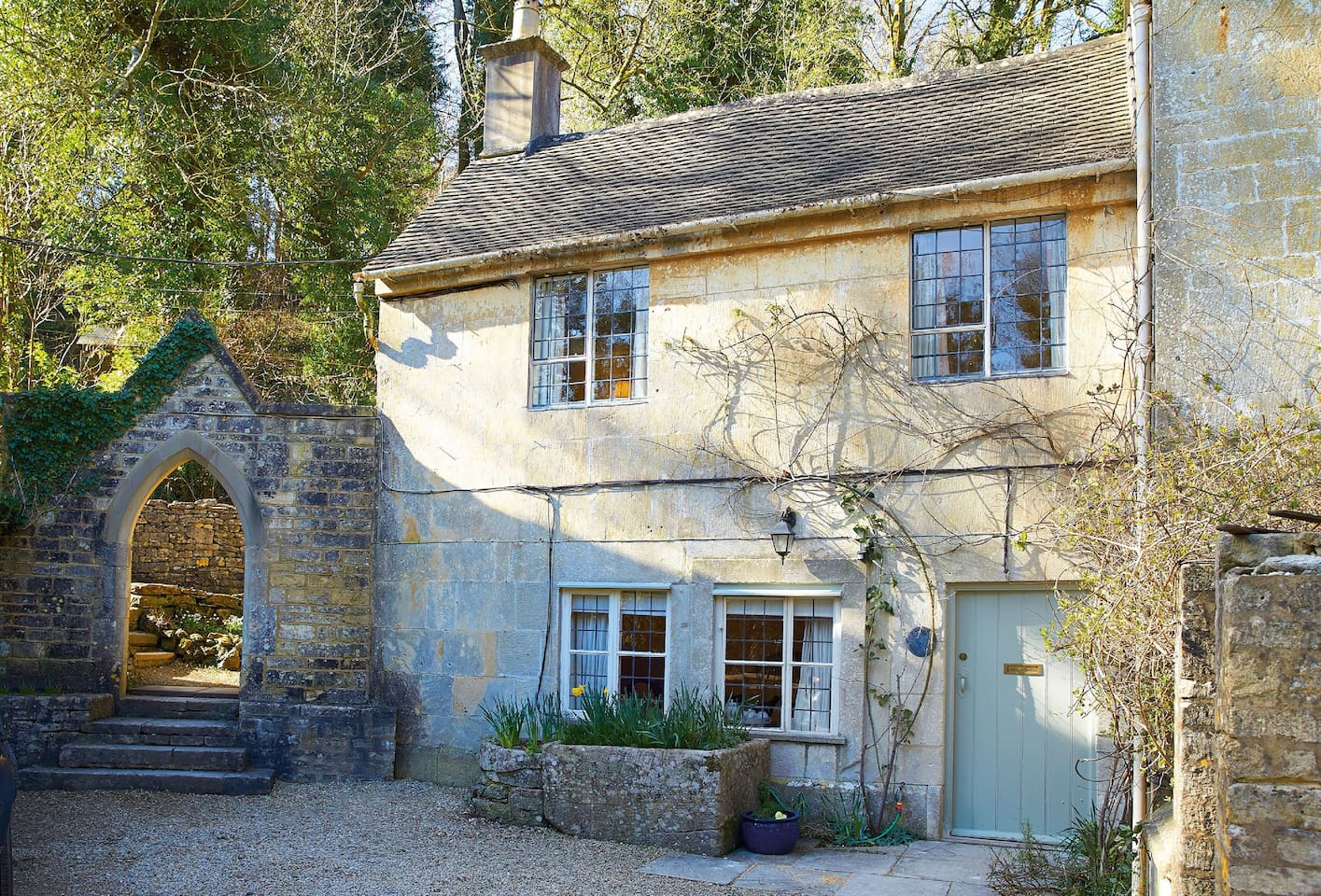October Cottage with accommodation for three guests