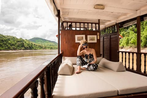 Mekong Cruises 2 days Stay 1 night in Pakbeng