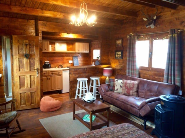 Cosy Log Cabin on working farm with stunning views - Dunblane - Chatka