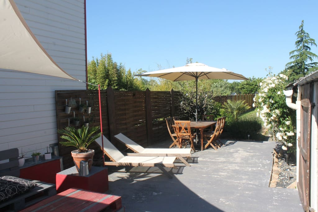 Maison t rasse jardin proche de nantes houses for rent - Maison jardin decoration saint etienne ...