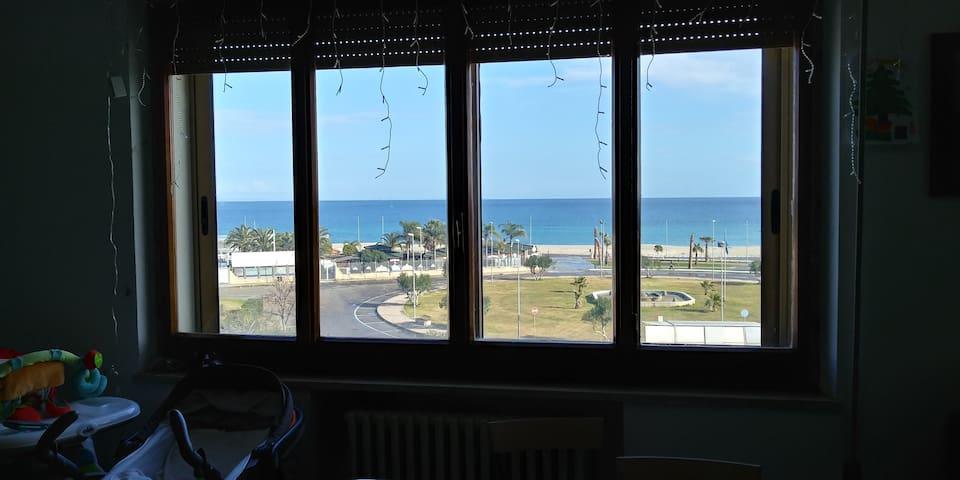 Splendido appartamento fronte mare